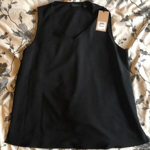 New Halogen Black Sleeveless Blouse VNeck